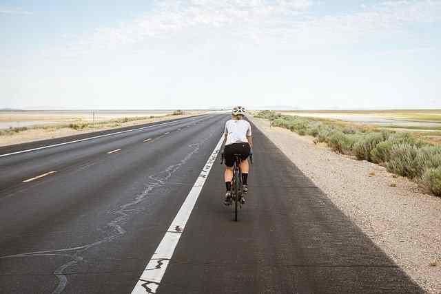 Cyclisme sur route : comment aborder les descentes en montagne ?