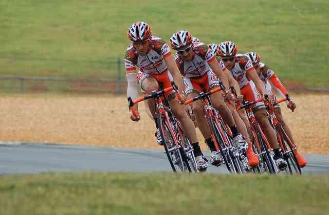 Tirreno-Adriatico : le Belge Van Aert prend le maillot de leader